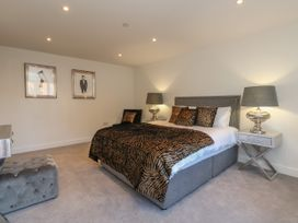 Harbourside Haven Apartment 2 - Dorset - 1059263 - thumbnail photo 11