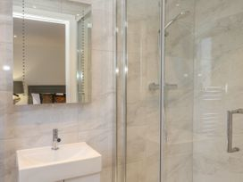 Harbourside Haven Apartment 2 - Dorset - 1059263 - thumbnail photo 13