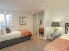 Harbourside Haven Apartment 2 - Dorset - 1059263 - thumbnail photo 14