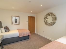 Harbourside Haven Apartment 2 - Dorset - 1059263 - thumbnail photo 15