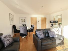 Harbourside Haven Apartment 3 - Dorset - 1059264 - thumbnail photo 4