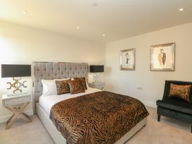 Harbourside Haven Apartment 3 - Dorset - 1059264 - thumbnail photo 13