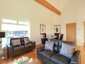 Harbourside Haven Penthouse 1 - Dorset - 1059266 - thumbnail photo 3