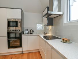 Harbourside Haven Penthouse 1 - Dorset - 1059266 - thumbnail photo 6