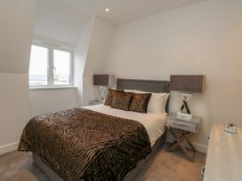Harbourside Haven Penthouse 1 - Dorset - 1059266 - thumbnail photo 12