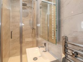 Harbourside Haven Penthouse 1 - Dorset - 1059266 - thumbnail photo 13