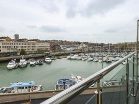 Harbourside Haven Penthouse 2 - Dorset - 1059267 - thumbnail photo 6
