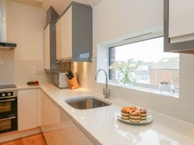 Harbourside Haven Penthouse 2 - Dorset - 1059267 - thumbnail photo 7