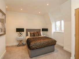 Harbourside Haven Penthouse 2 - Dorset - 1059267 - thumbnail photo 10