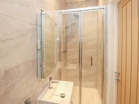 Harbourside Haven Penthouse 2 - Dorset - 1059267 - thumbnail photo 14