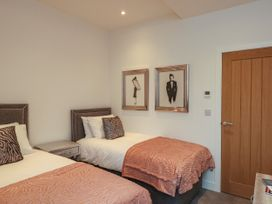 Harbourside Haven Penthouse 2 - Dorset - 1059267 - thumbnail photo 16
