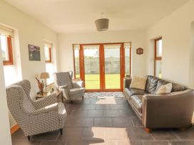 Cherry Blossom Cottage - County Clare - 1059276 - thumbnail photo 3