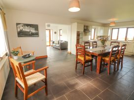 Cherry Blossom Cottage - County Clare - 1059276 - thumbnail photo 4