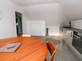 Top Floor, Gweal-an-Drea - Cornwall - 1059503 - thumbnail photo 11
