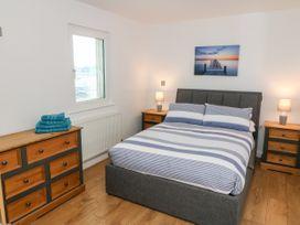 1 Marina View - North Wales - 1059557 - thumbnail photo 12