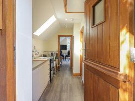 Barn Apartment 4 - South Wales - 1059773 - thumbnail photo 2