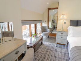 Barn Apartment 4 - South Wales - 1059773 - thumbnail photo 9