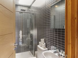 Barn Apartment 4 - South Wales - 1059773 - thumbnail photo 11