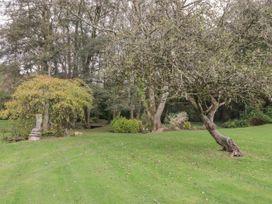 Barn Apartment 4 - South Wales - 1059773 - thumbnail photo 24