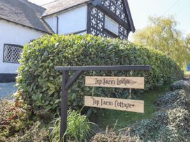 Top Farm Lodge (formerly The Goat's Shed) - Shropshire - 1059787 - thumbnail photo 17