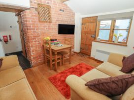 Top Farm Cottage ( formerly The Stables) - Shropshire - 1059788 - thumbnail photo 4