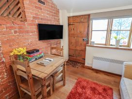 Top Farm Cottage ( formerly The Stables) - Shropshire - 1059788 - thumbnail photo 5