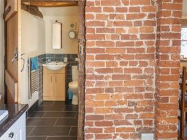 Top Farm Cottage ( formerly The Stables) - Shropshire - 1059788 - thumbnail photo 12