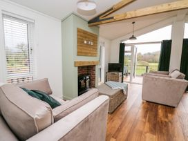 Sycamore Lodge - Mid Wales - 1059812 - thumbnail photo 4