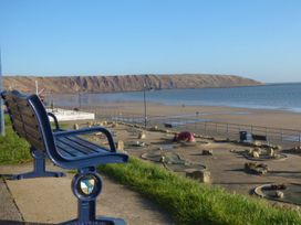 A Wave From It All - North Yorkshire (incl. Whitby) - 1059884 - thumbnail photo 16