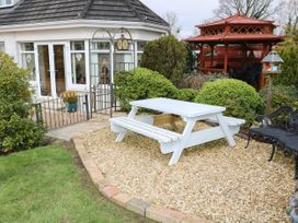 Lough Neagh Cottage -  - 1059887 - thumbnail photo 19