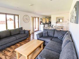 Sunset Lodge - No.6 - Lincolnshire - 1059975 - thumbnail photo 7