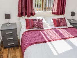 Sunset Lodge - No.6 - Lincolnshire - 1059975 - thumbnail photo 21