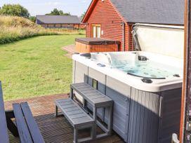 Sunset Lodge - No.6 - Lincolnshire - 1059975 - thumbnail photo 29
