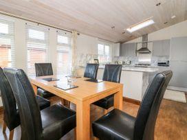 Oakwood Lodge - Whitby & North Yorkshire - 1060170 - thumbnail photo 5