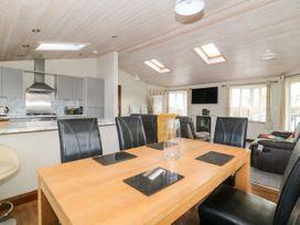 Oakwood Lodge - Whitby & North Yorkshire - 1060170 - thumbnail photo 6
