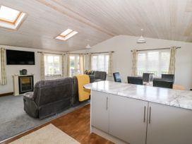 Oakwood Lodge - Whitby & North Yorkshire - 1060170 - thumbnail photo 8