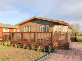 Oakwood Lodge - Whitby & North Yorkshire - 1060170 - thumbnail photo 2