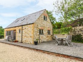 Granary Cottage - Cotswolds - 1060223 - thumbnail photo 1