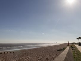 The Hideaway Beach House - Kent & Sussex - 1060378 - thumbnail photo 30