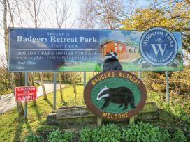 Honeysuckle Lodge - Whitby & North Yorkshire - 1060698 - thumbnail photo 19