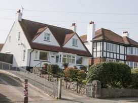 3 bedroom Cottage for rent in Penrhyn Bay