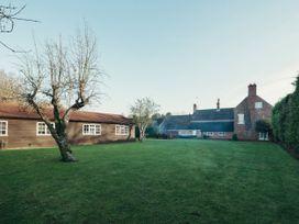 The Farmhouse at West Drayton Farm - Lincolnshire - 1060781 - thumbnail photo 1