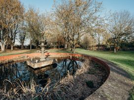 The Farmhouse at West Drayton Farm - Lincolnshire - 1060781 - thumbnail photo 50