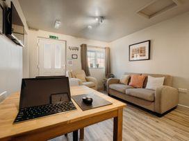 The Bradford Apartment - Lincolnshire - 1060792 - thumbnail photo 9