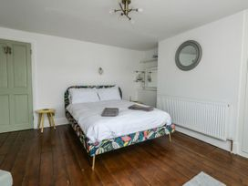 Bridge View Apartment - Dorset - 1060886 - thumbnail photo 14