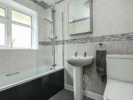 Bridge View Apartment - Dorset - 1060886 - thumbnail photo 25