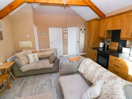 Love Cottage - South Wales - 1061323 - thumbnail photo 5