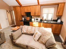 Love Cottage - South Wales - 1061323 - thumbnail photo 7