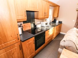 Love Cottage - South Wales - 1061323 - thumbnail photo 8