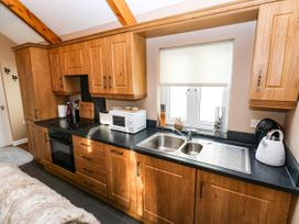 Love Cottage - South Wales - 1061323 - thumbnail photo 9